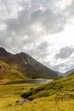 Vista superiore sulla valle e sulle montagne in altopiani scozzesi Fotografia Stock Libera da Diritti