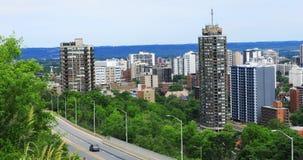 Vista superstrada di Hamilton, Canada con orizzonte dietro 4K stock footage
