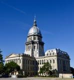 Vista suroriental del capitolio del estado de Illinois imagenes de archivo