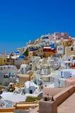 Vista surpreendente de Oia em Santorini Fotos de Stock Royalty Free