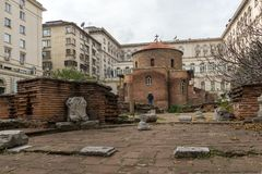 Vista surpreendente de St George Rotunda da igreja em Sófia, Bulgária Foto de Stock