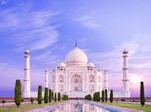 Vista surpreendente em Taj Mahal na luz do nascer do sol Agra, India imagem de stock royalty free