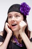 Vista surpreendida e surpreendida da jovem mulher Imagens de Stock Royalty Free