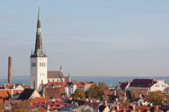 Vista a Tallinn vieja, Estonia Foto de archivo