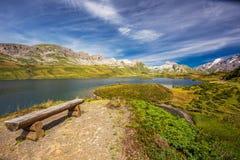 Vista a Tannesee e panorama suíço dos cumes de Melchsee Frutt, interruptor Fotografia de Stock Royalty Free
