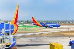 Vista terminale dell'aeroporto di Los Angeles nominata da Tom Bradley Vista dell'aerodromo con gli aeroplani fotografia stock