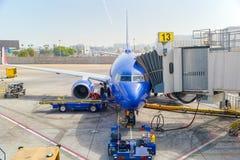 Vista terminale dell'aeroporto di Los Angeles nominata da Tom Bradley Vista dell'aerodromo con gli aeroplani immagine stock