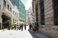 Vista tipica della via a Avana Fotografie Stock Libere da Diritti