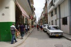 Vista tipica della via a Avana Fotografie Stock