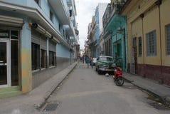 Vista tipica della via a Avana Immagine Stock
