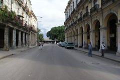 Vista tipica della via a Avana Immagine Stock Libera da Diritti