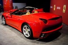 Vista traseira de um Ferrari vermelho Califórnia Fotografia de Stock Royalty Free