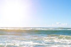 Vista tropicale e mare della sabbia della spiaggia fotografie stock