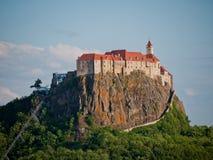 Vista a um castelo, Áustria imagem de stock