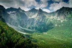 Vista in una valle della montagna Fotografie Stock Libere da Diritti
