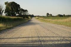 Vista unica della strada non asfaltata del paese fotografia stock