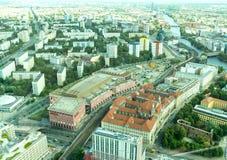 Vista urbana composta di paesaggio urbano che trascura capitale tedesca vi Immagine Stock