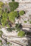 Vista vía del camino de Krupp de los jardines de Augustus Giardini di Augusto en la isla de Capri, Italia imagenes de archivo