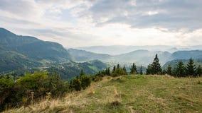 Vista variopinta della campagna in carpathians Immagine Stock Libera da Diritti