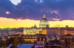 Vista Vaticano di paesaggio urbano di Roma immagine stock libera da diritti