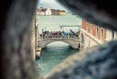 Vista Venetian da ponte dos suspiros em Veneza, Itália Fotografia de Stock Royalty Free