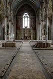 Vista verso l'altare - chiesa abbandonata Fotografia Stock