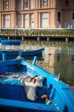 Vista vertical dos barcos amarrados em Bari Touristic Harbour em P Fotografia de Stock Royalty Free