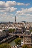 Vista verticale di Parigi da Notre Dame Fotografia Stock Libera da Diritti