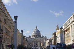 Vista via dal della Conciliazione del san Peter Basilica Fotografia Stock Libera da Diritti