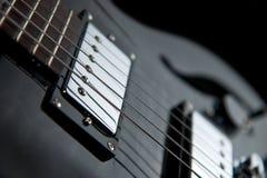 Vista vicina di una chitarra di jazz Immagini Stock Libere da Diritti