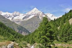 Vista vicino al Cervino in svizzero Fotografia Stock