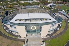 Vistas aéreas del estadio de Autzen en el campus de la universidad O imagenes de archivo