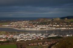 Vistas al puerto deportivo de Deganwy y de Conwy Foto de archivo