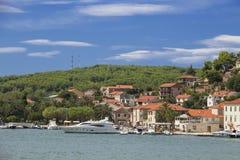 Vistas da Croácia Porto na ilha Hvar Fotos de Stock Royalty Free