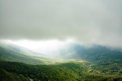 Vistas da parte superior de uma montanha fotografia de stock