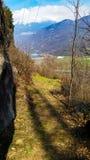 Vistas das montanhas e do lago foto de stock