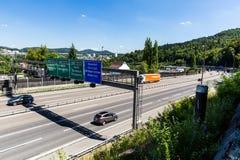 Vistas de la autopista A1 cerca del Baregg, Suiza Imagen de archivo