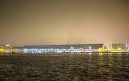 Vistas de la ciudad de Amsterdam en la noche Vistas generales del paisaje de la ciudad Foto de archivo