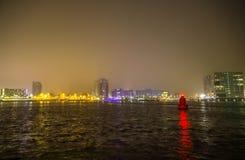 Vistas de la ciudad de Amsterdam en la noche Vistas generales del paisaje de la ciudad Imagen de archivo libre de regalías