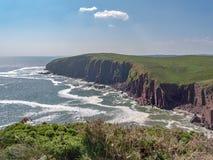 Vistas de la isla de Caldey imagenes de archivo