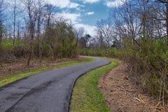 Vistas de la naturaleza y de caminos a lo largo de Shelby Bottoms Greenway y de los rastros naturales del ataque frontal del río  imágenes de archivo libres de regalías