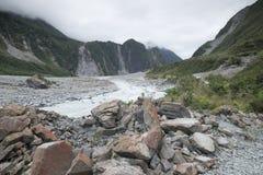 Vistas de las montañas de Nueva Zelanda - fotografiado por Dan Yeger imagen de archivo libre de regalías