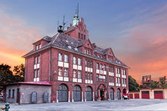Vistas de Polonia. Edificio viejo del departamento de bomberos Imagenes de archivo
