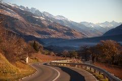 Vistas de Sierre y las montañas de Crans-Montana, Suiza Foto de archivo libre de regalías