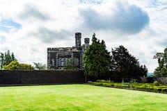 Vistas de Stirling e de monumentos a Robert o Bruce e o William imagens de stock royalty free