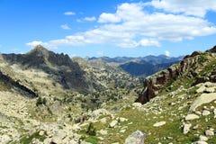 Vistas del valle de Gerber en catalán los Pirineos Imagenes de archivo