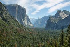 Vistas do EL Capitan e meia abóbada, Yosemite Foto de Stock