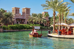 Vistas do hotel de Madinat Jumeirah, Dubai UAE Fotos de Stock Royalty Free
