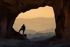 vistas inspiradores da cimeira & para explorar a montanha imagem de stock