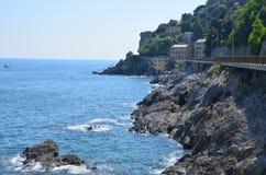 Vistas magníficas do mar a cidade antiga Itália imagem de stock